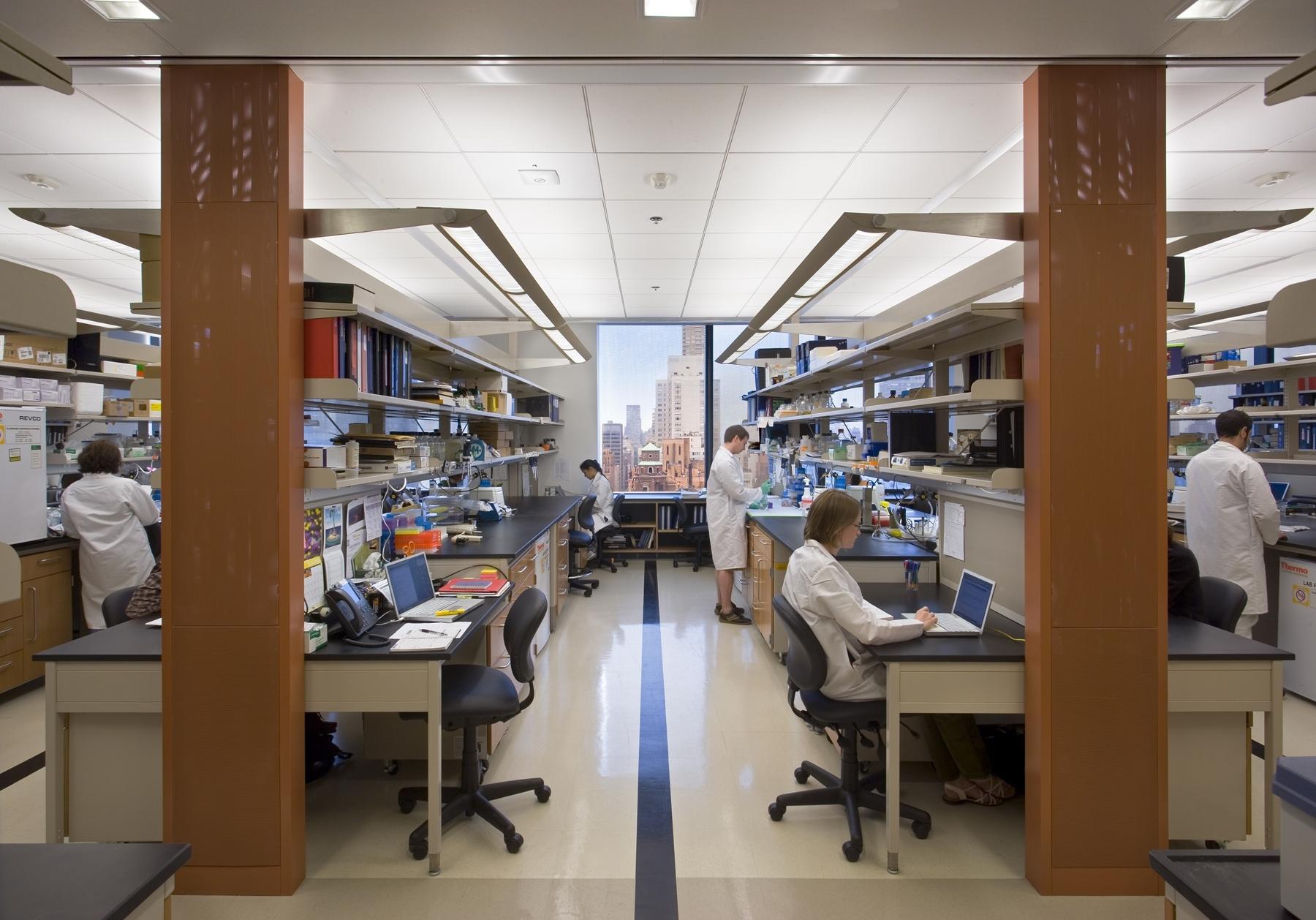 memorial-sloak-kettering-cancer-center-lab